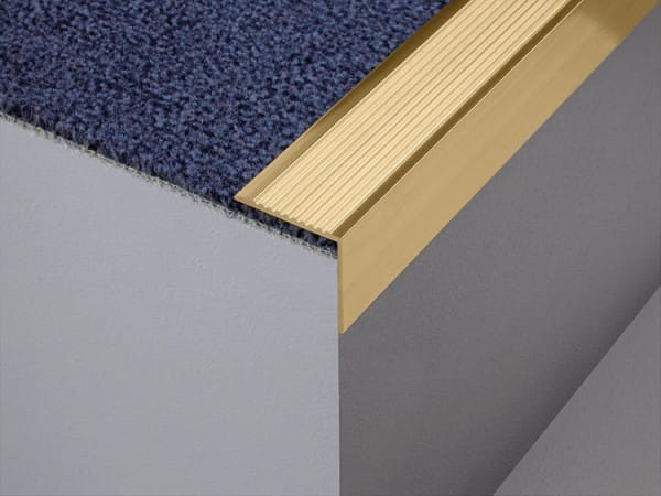 Treppenwinkelprofil aus Messing ungebohrt