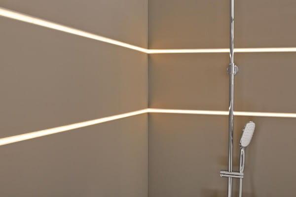 Dural LED Basisprofil in der Dusche