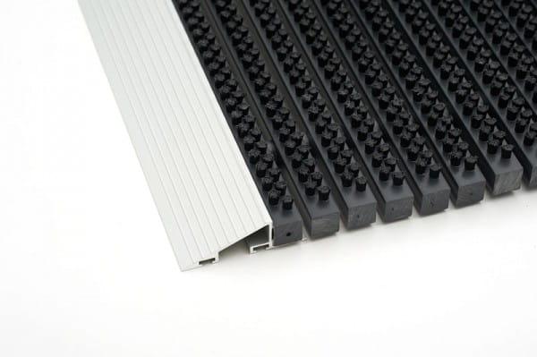 Fußmatte mit Anlaufrahmen Detail